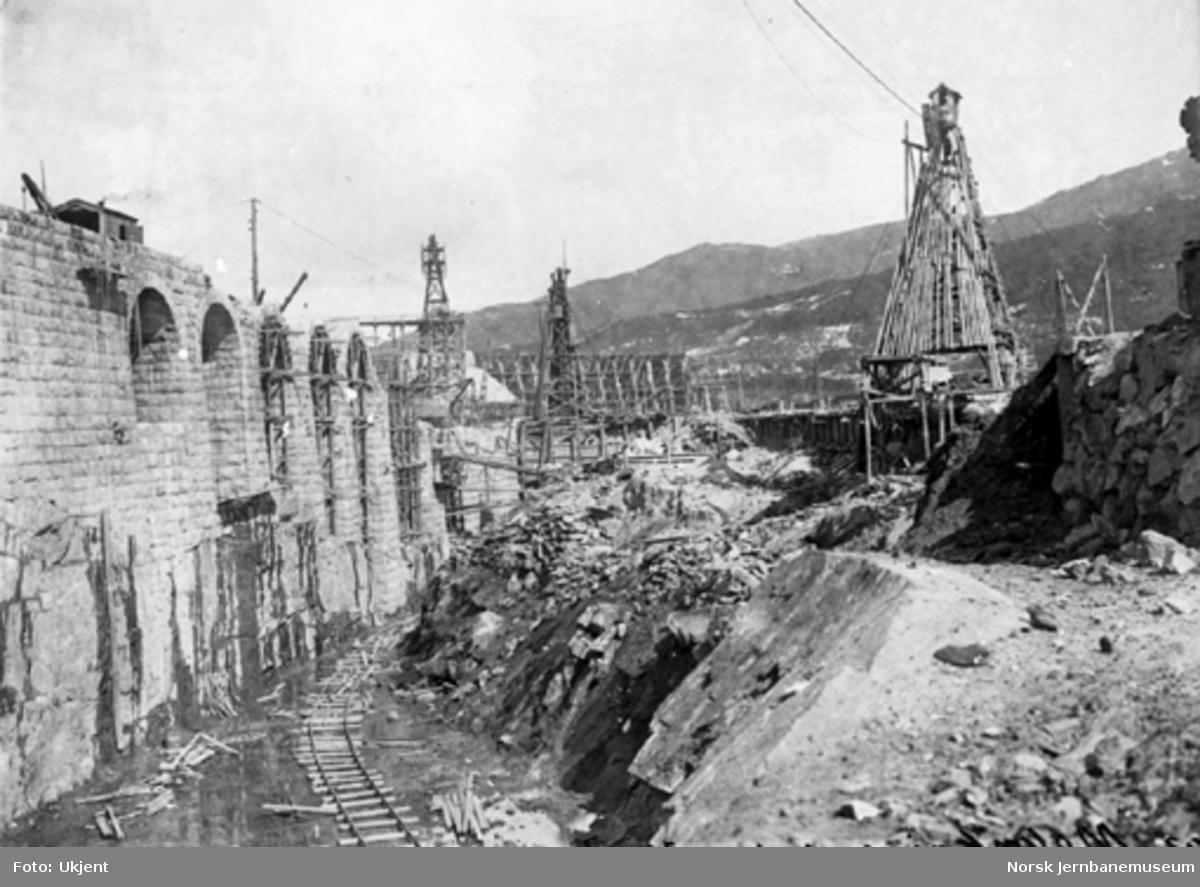Malmkaien i Narvik under bygging