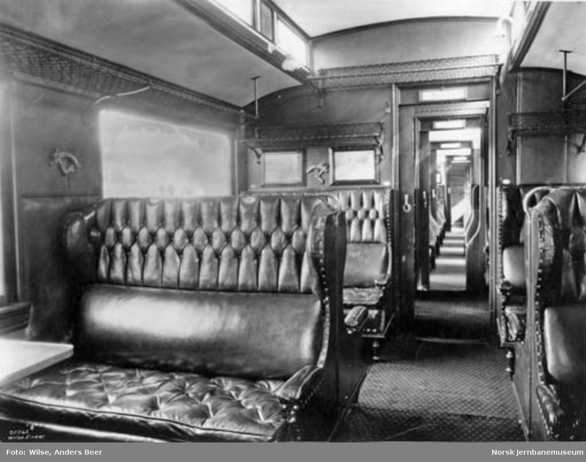 Interiørbilde fra personvogn for 2. og 3. klasse, litra BCo