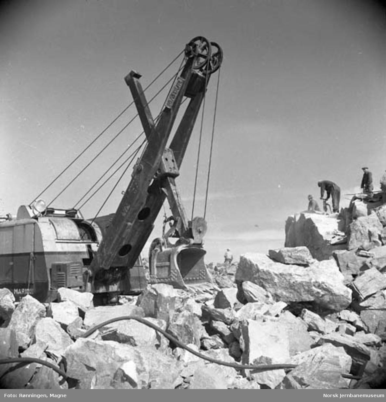 Nordlandsbaneanleggets gravemaskin i Bodø
