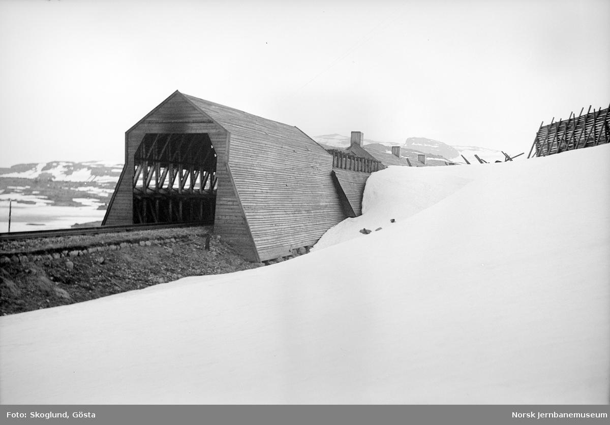 Snøoverbygg på Bergensbanen