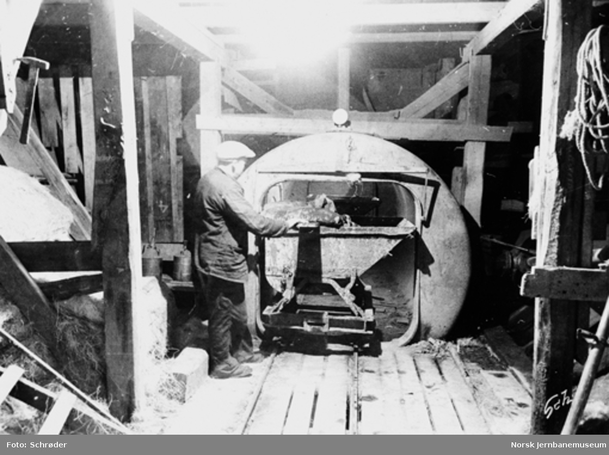 Tyholttunnelen : sluse for vagger