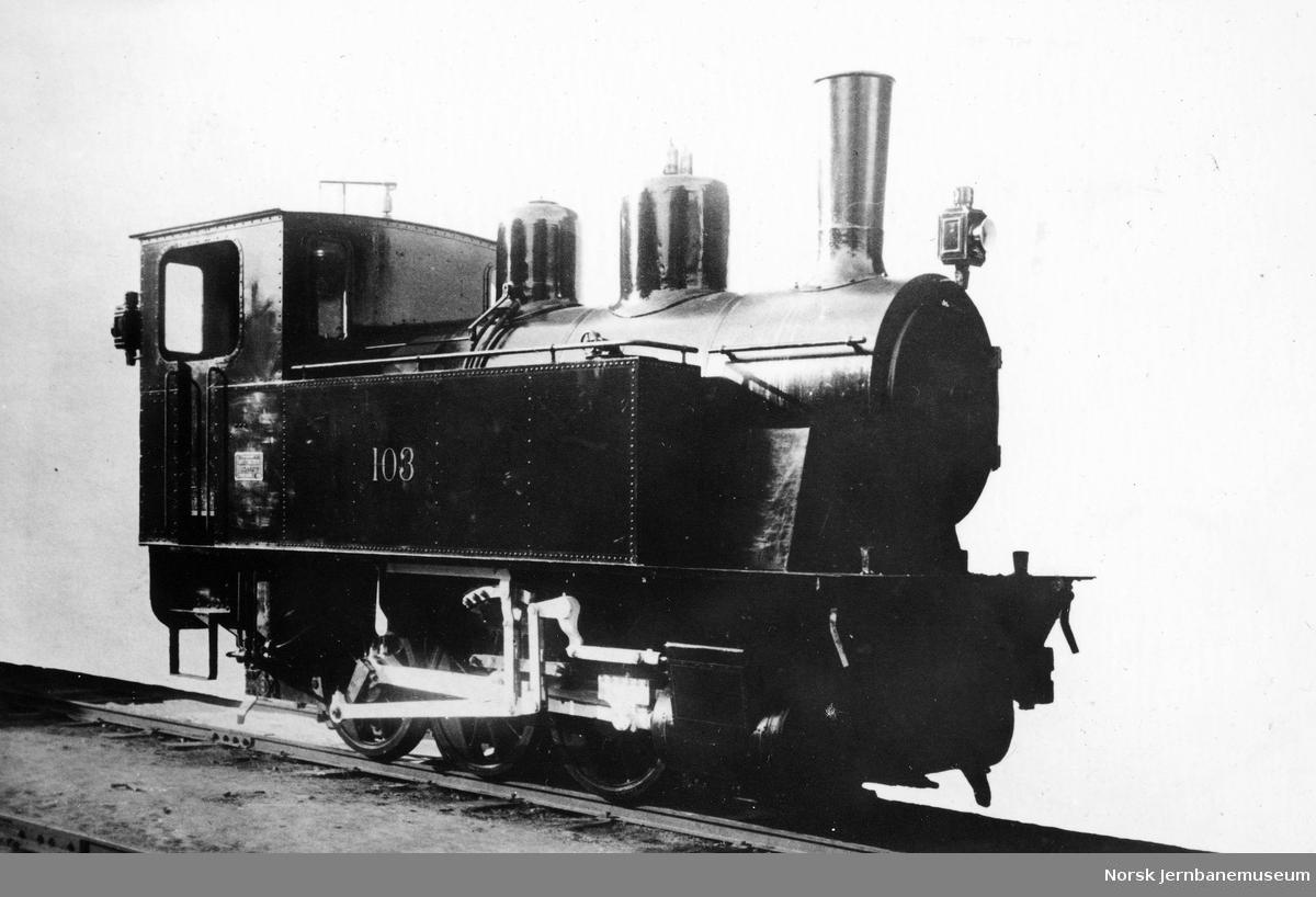 Leveransefoto av damplokomotiv nr. 103 til Electric Furnace Products Company i Sauda fra Hamar Jernstøberi