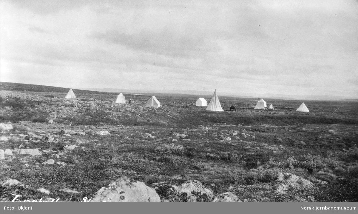 Jernbanestikking i Finnmark : teltleir på ukljent sted