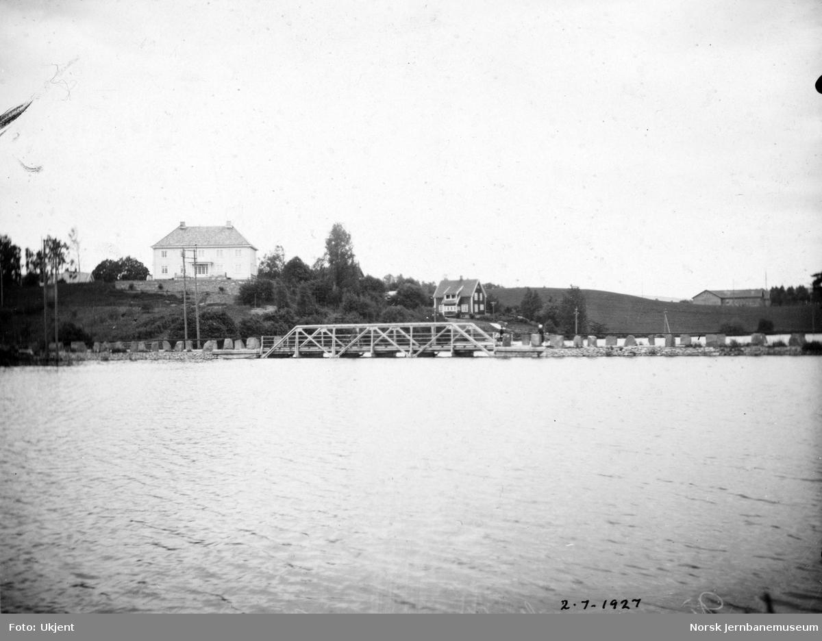 Flommen i 1927 : vegbru i Åkervika