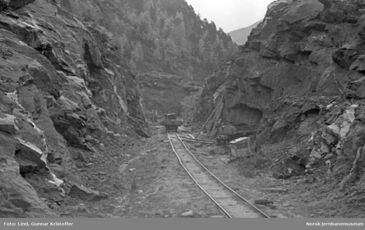 Nordlandsbaneanlegget : anleggsarbeid i skjæring i Saksenvik