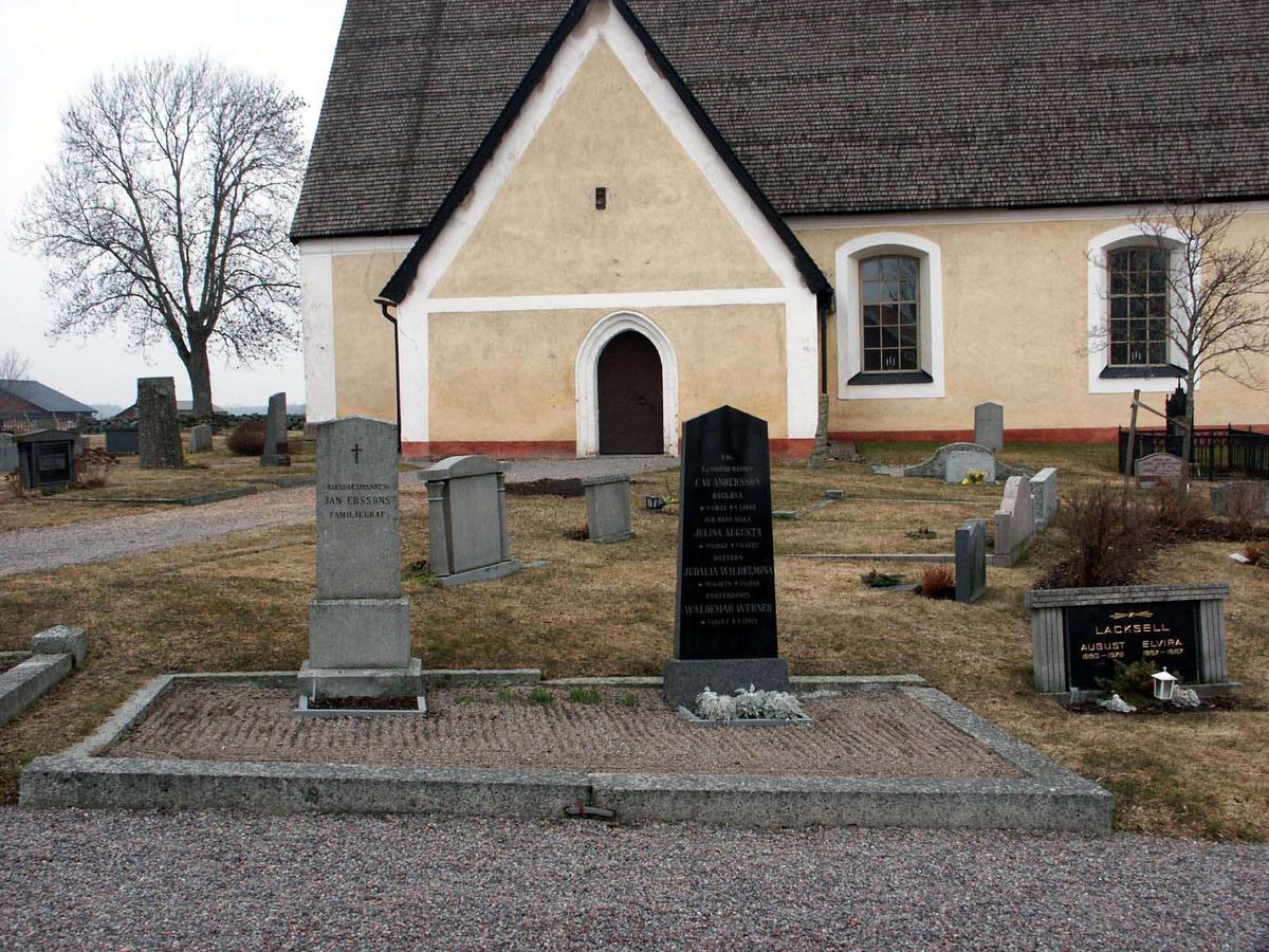 Kyrkogården vid Boglösa kyrka, Boglösa socken, Uppland