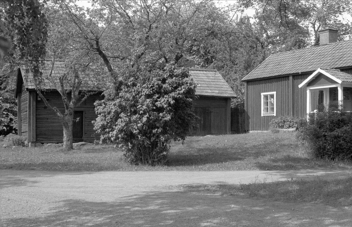 Bodar och brygghus, Rörby 3:1, Bälinge socken, Uppland 1983