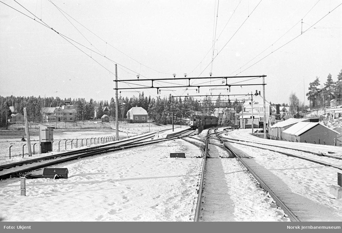 Kolbotn stasjon med elektrisk motorvogn type 65 (105)