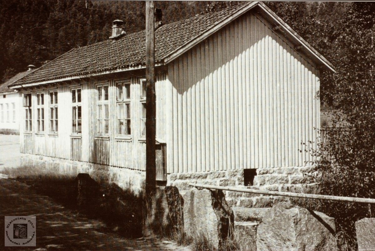 Byremo skulehus, Grindheim senere Audnedal.