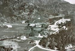Flyfoto over Byremo, Neset og oppover mot Stedjan. Grindheim senere Audnedal.