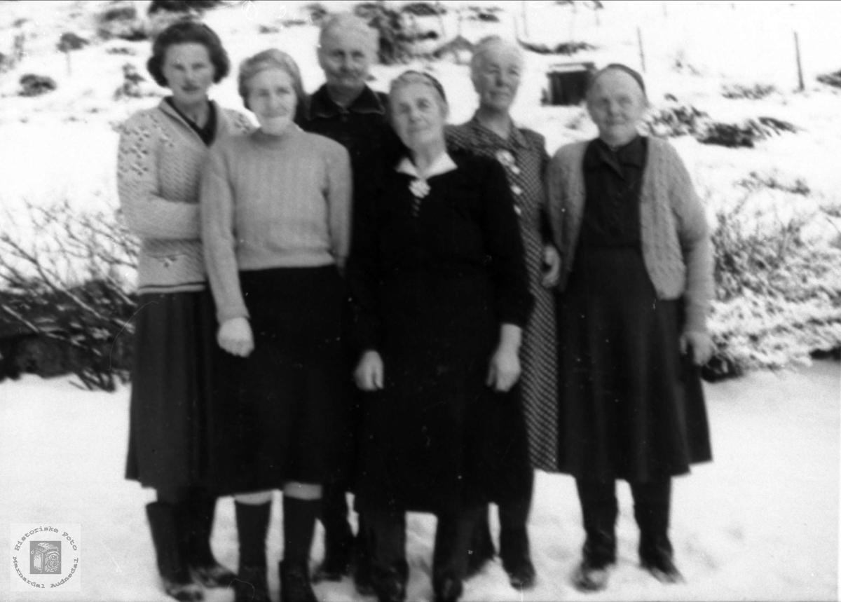 Personer fra Haugland og Roland i Bjelland.