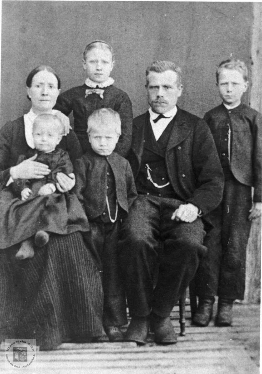 Familiebilde fra Trygsland i Bjelland.