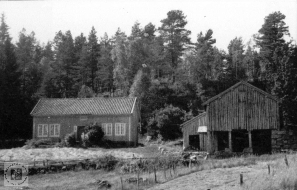 Gardsbruk. Der inne, Haraldstad i Laudal.
