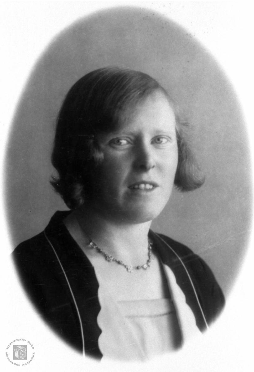 Portrett av Klara Finsådal, Øyslebø.
