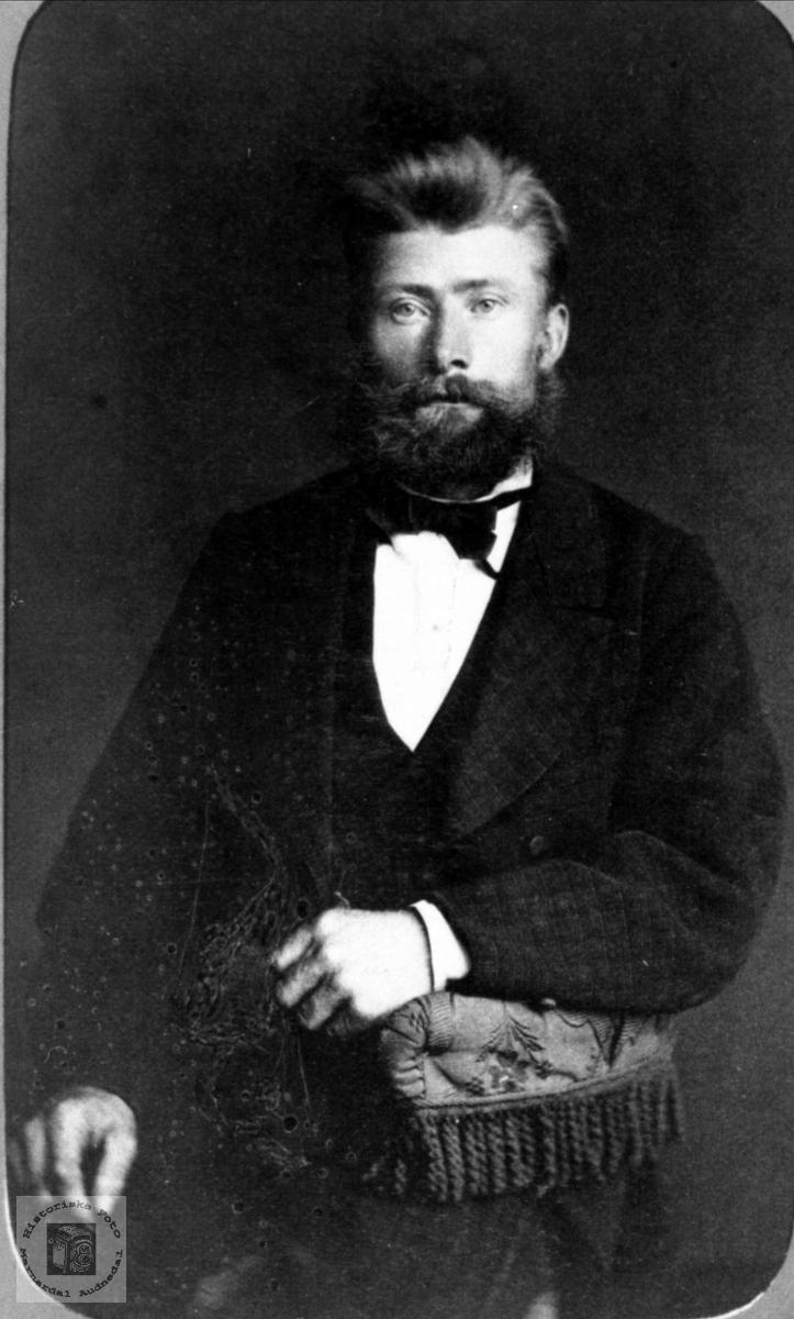 Portrett av Torkjel Heddeland, Øyslebø.