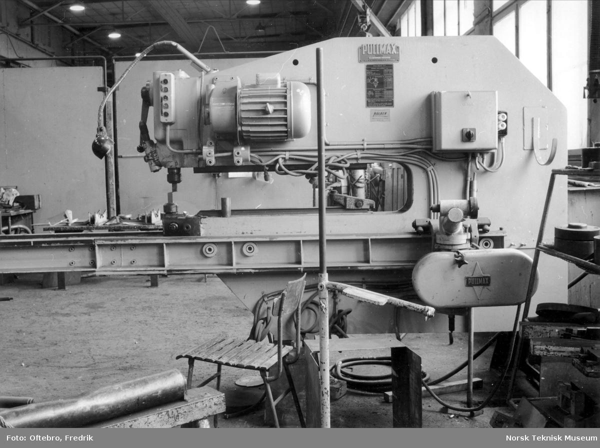 Platesaks ved det lille plateverkstedet ved Myrens verksted på siste arbeidsdag før nedleggelsen 25.03.1988