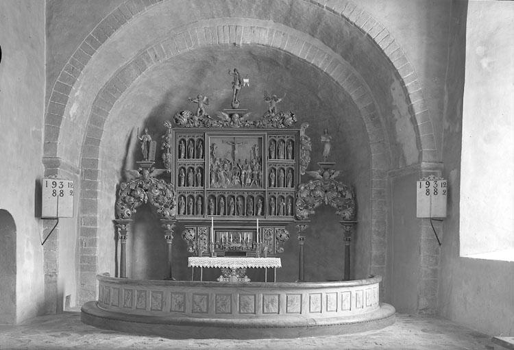 """Enligt AB Flygtrafik Bengtsfors: """"Skee kyrka altartavlan Bohuslän""""."""