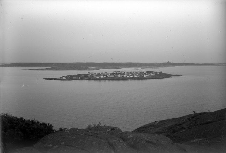Åstol sett från Rönnäng 1953.
