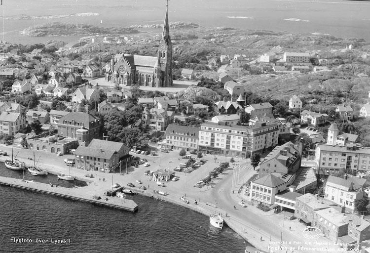 """Enligt AB Flygtrafik Bengtsfors: """"Lysekil Bohuslän""""."""