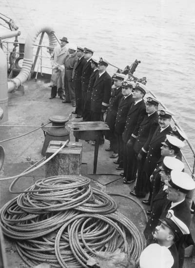 Fartygsbefäl vid flaggskifte vid leverans av 112 M/S Islas Orcadas.