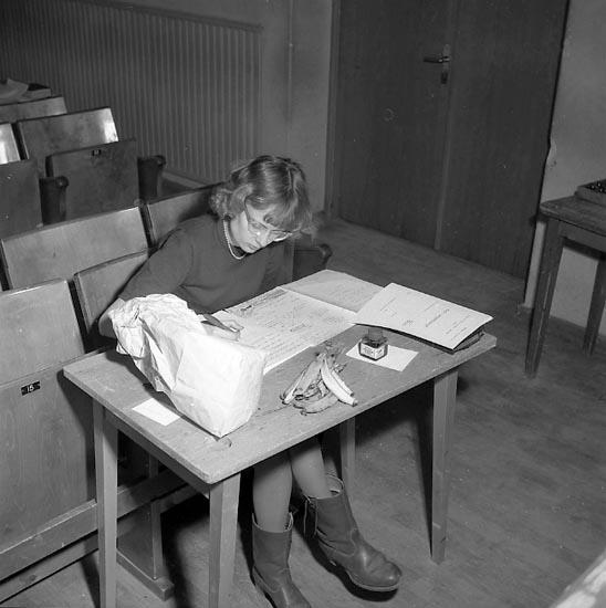 """Enligt notering: """"Studentskrivning Mars 1951"""". ::"""