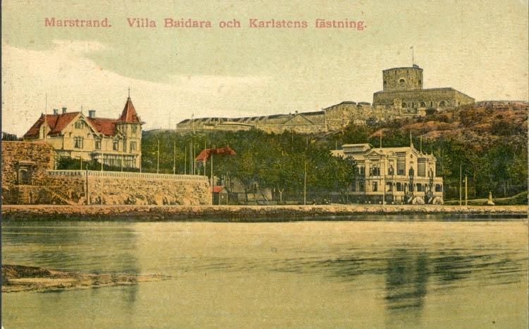 """Tryckt text på kortet: """"Marstrand. Villa Baidara, och Karlstens fästning."""""""