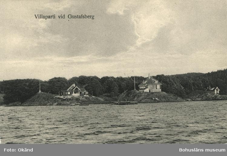 """Tryckt text på vykortets framsida: """"Villaparti vid Gustafsberg."""""""