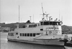 """Enligt fotografens notering: """"Kostervåg Strömstad 1/6 1991""""."""