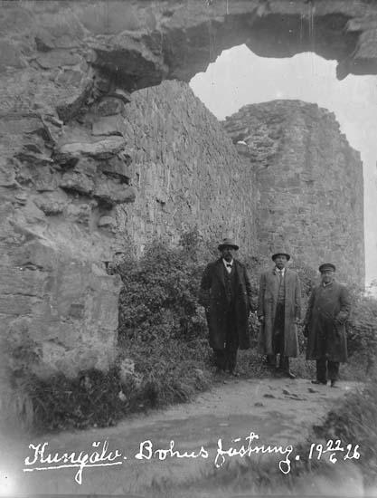 """Skrivet på bilden: """"Kungälv. Bohus Fästning. 22/6 1926."""""""