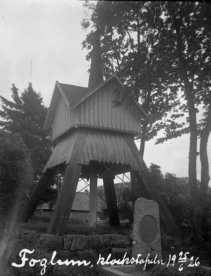 """Enligt text på fotot: """"Foglum. klockstapeln 5/6 1926""""."""
