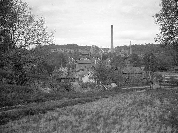 """Enligt fotografens noteringar: """"Munkedals fabrik omkring 1910."""""""