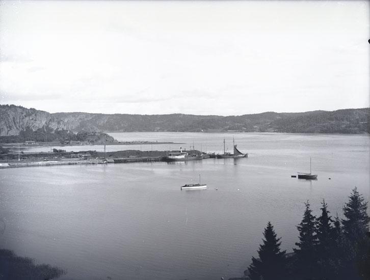 """""""1938. Munkedals Hamn.""""  """"Fotot taget från Skree."""""""