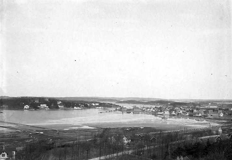 "Enligt fotografens notering: ""1935 vyplåt""."