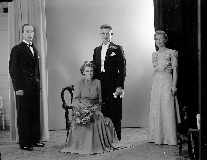 """Enligt fotografens journal nr 6 1930-1943: """"Hermansson, Herr Thure Högenorum Här""""."""