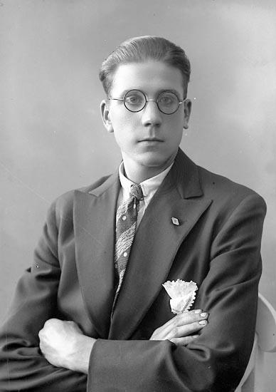 """Enligt fotografens journal nr 6 1930-1943: """"Johansson, Jonas Myren Spekeröd""""."""