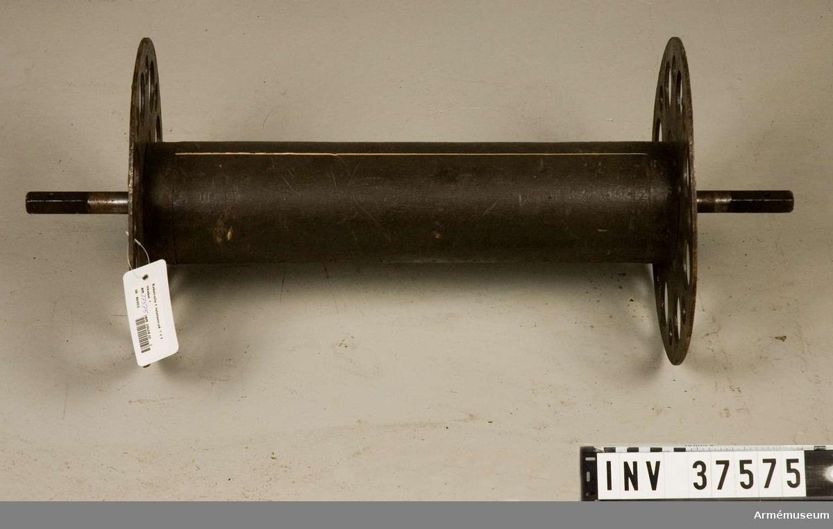 Samhörande nr 37564-87, telefonapparat m/1918. Grupp H I.