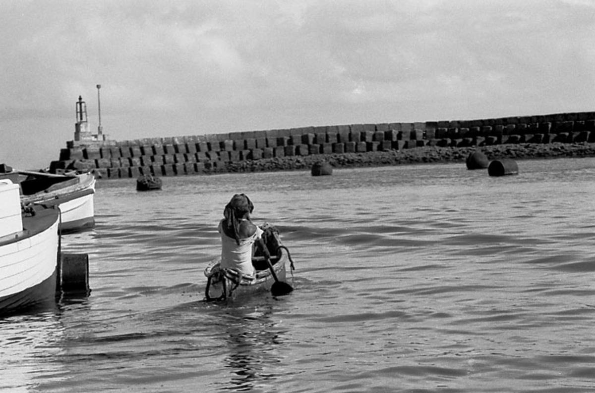 Afrikaresa, Zanzibar Samtidigt förvärv: Böcker och arkivmaterial. 35 bilder i serie.