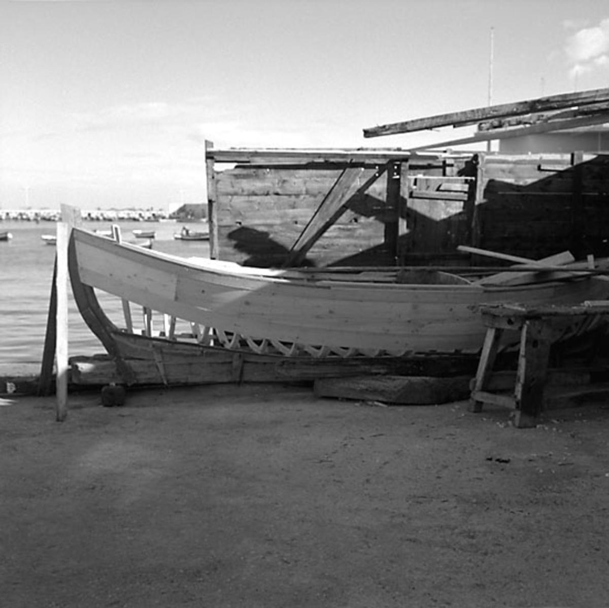 18. Italien. Fotojournal finns på B.M.A. + fotoalbum. Samtidigt förvärv: Böcker och arkivmaterial. Foton tagna mellan 1959-10-29 och 1959-10-30. 12 Bilder i serie.