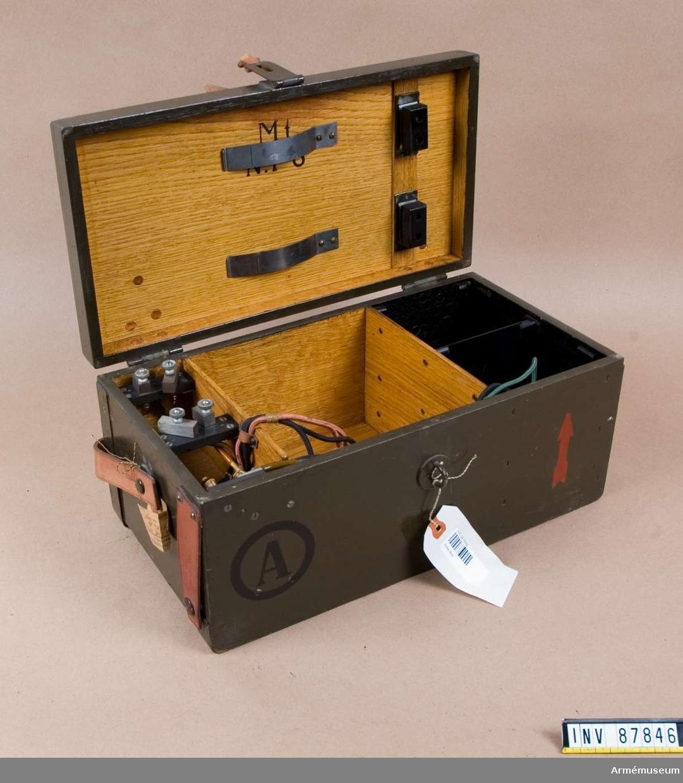 Grupp H II. Batterilåda A till mottagare. Philips Br m/à (m 6).