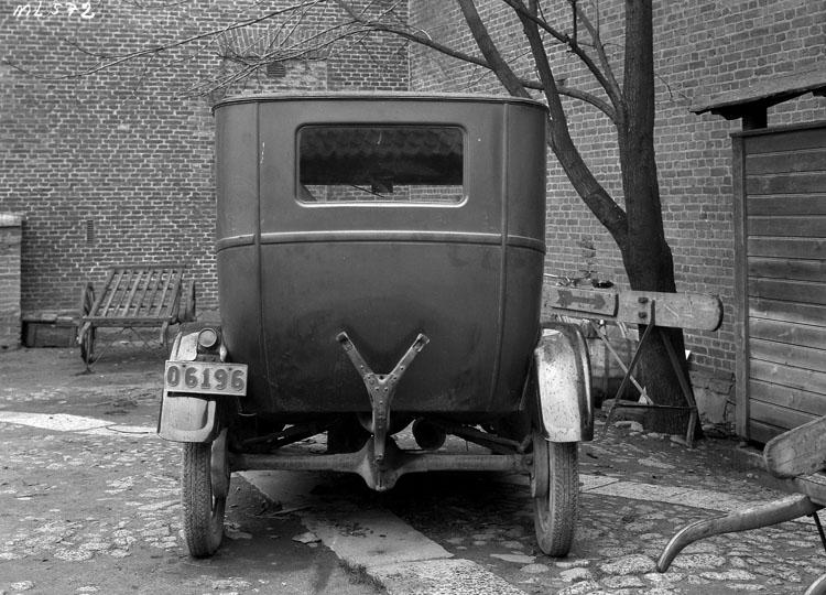 """Uppgift enligt fotografen: """"Uddevalla. Ford 1929 års modell."""""""
