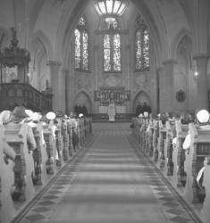 """Text till bilden: """"Kyrkoherdeinstallation i Lysekils kyrka."""