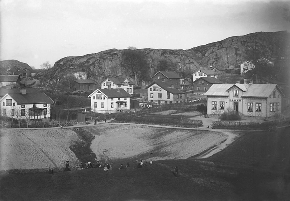Uddevalla. Vy från Wadbacken. 20 Maj 1902.