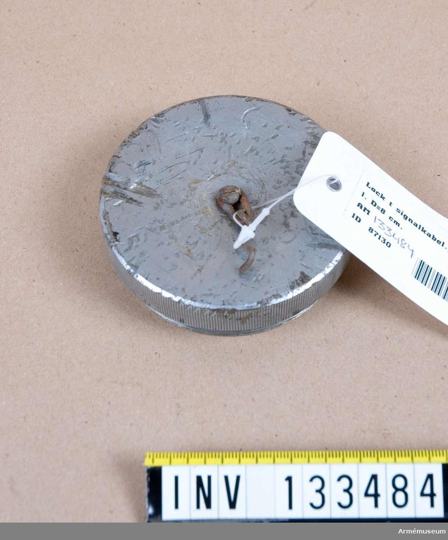 Diameter= 8 cm.