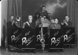 """Rogers orkester. 22."""