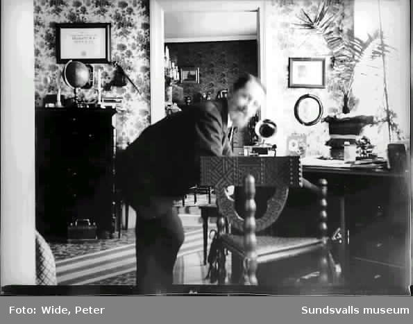 Färgaren Peter Wide i hemmet på Widegården.