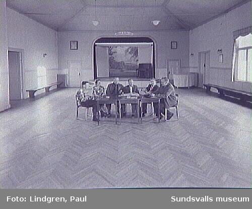 Södermalmsgatan 38, Logen Hälleberget. Byggnadsstyrelsen sammanträder i IOGT-lokalen.