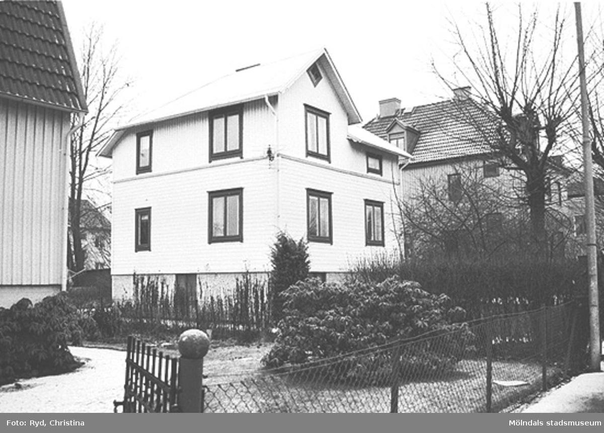 En villa på Barnhemsgatan 17. Husen på Barnhemsgatan byggdes på 1920-talet. Bilden är tagen under 1990-talet.