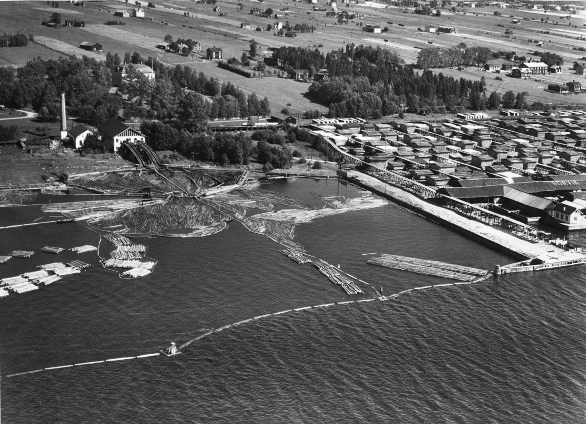 Flygfoto av Sörviks sågverk, Söråker.