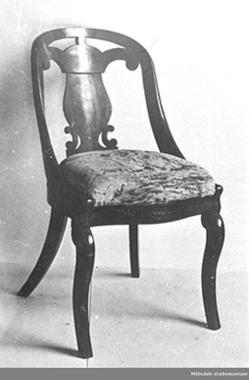 En stol.