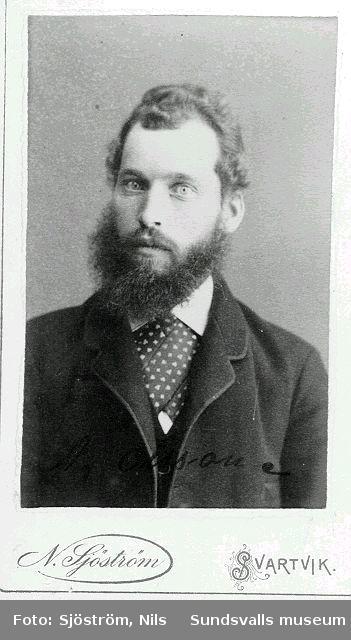 """""""Alfred Olsson farmors bror"""" antecknat på baksidan"""